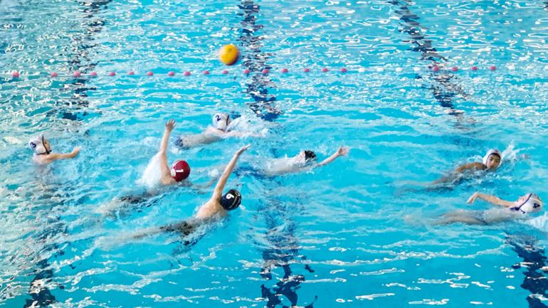 Vuurdoop waterpolo-jeugd te Bilzen